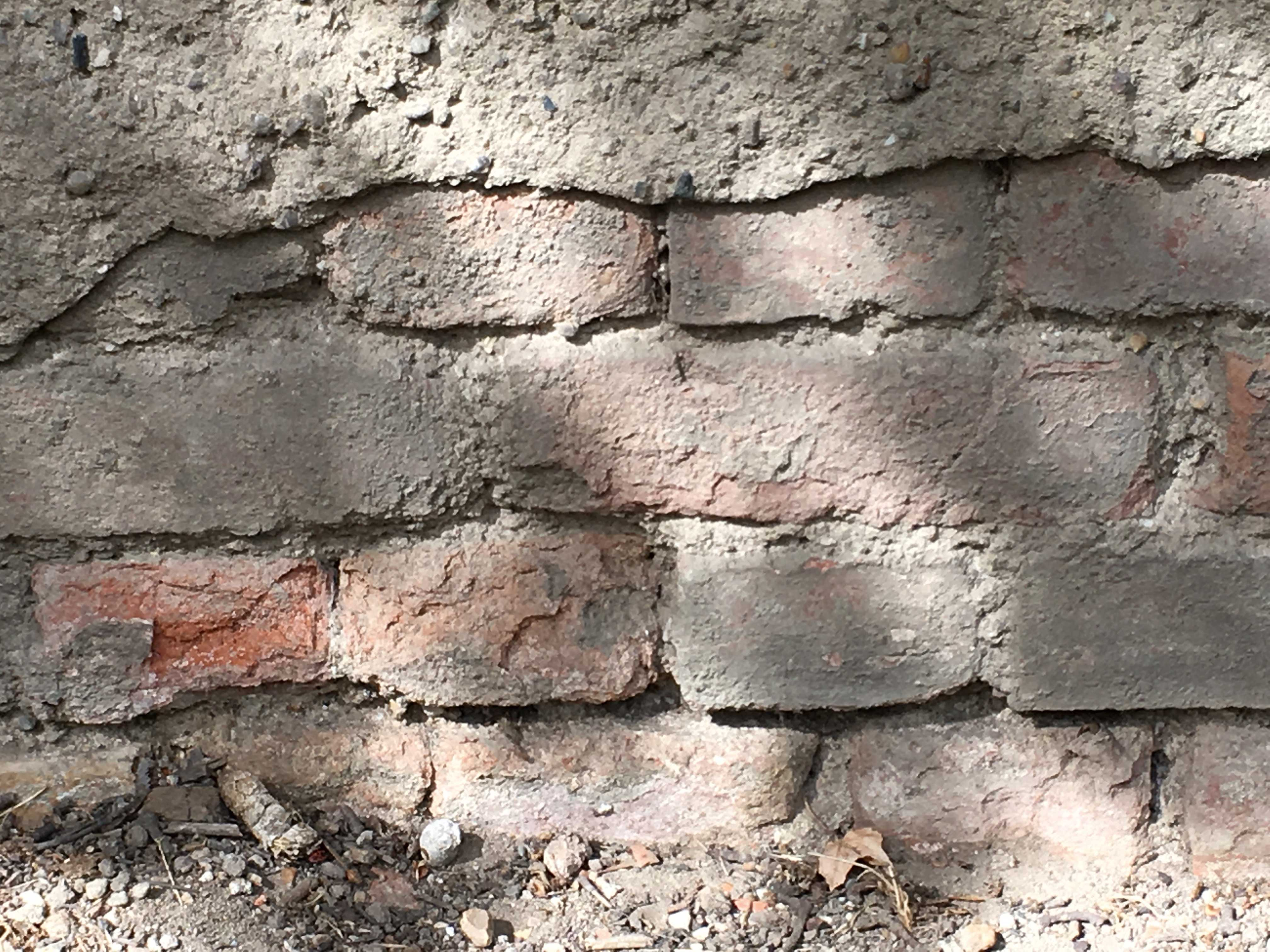 Sockelschaden alte Fassade