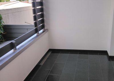 1) Verlegung Pedra Balkonbodenbelag