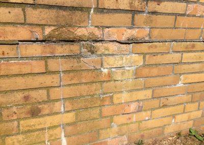 Defekte Terrassenmauer