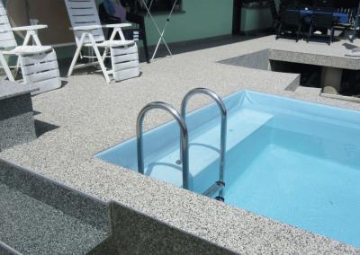 Bodenbelag Steinteppich am Pool